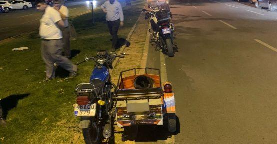 ALKOLLÜ MOTOSİKLET SÜRÜCÜSÜ OTOMOBİLE ARKADAN ÇARPTI