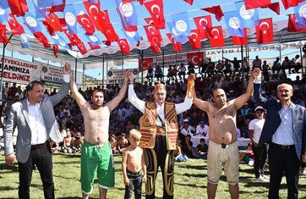 BOYALI GÜREŞ FESTİVALİNE 500 GÜREŞÇİ KATILDI