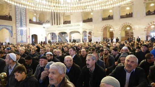 BÜYÜK DEVLET OLMAK İSTİYORSAK  KUR'AN-I KERİM'E SARILMAKTIR
