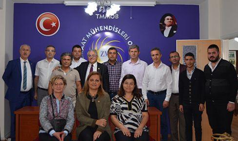 CHP'Lİ VEKİLLER, DUMLUPINAR'IN GÖRÜŞLERİNİ ALDI