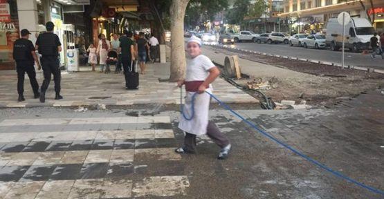 ESKİ TRABZON CADDESİ ESNAFLARI MAĞDUR EDİYOR