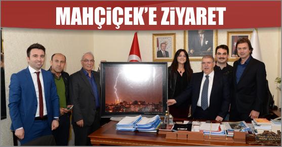 FOTOĞRAF SANATÇILARI BAŞKAN MAHÇİÇEK'İ ZİYARET ETTİ