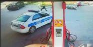 MOTOSİKLET SÜRÜCÜSÜ POLİSE ÇARPTI