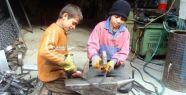 Tekstil atölyelerinde Suriyeli çocukların...