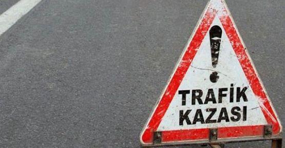 TRAFİK KAZASINDA 1 ÖLÜ 2 YARALI