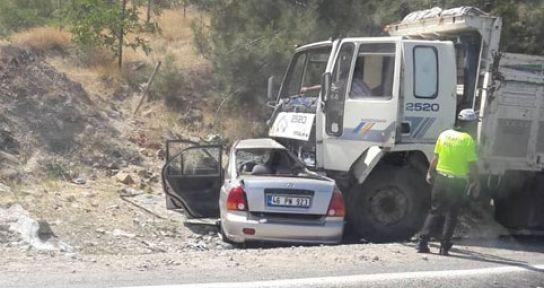 TRAFİK KAZASINDA BİR POLİS  VEFAT ETTİ